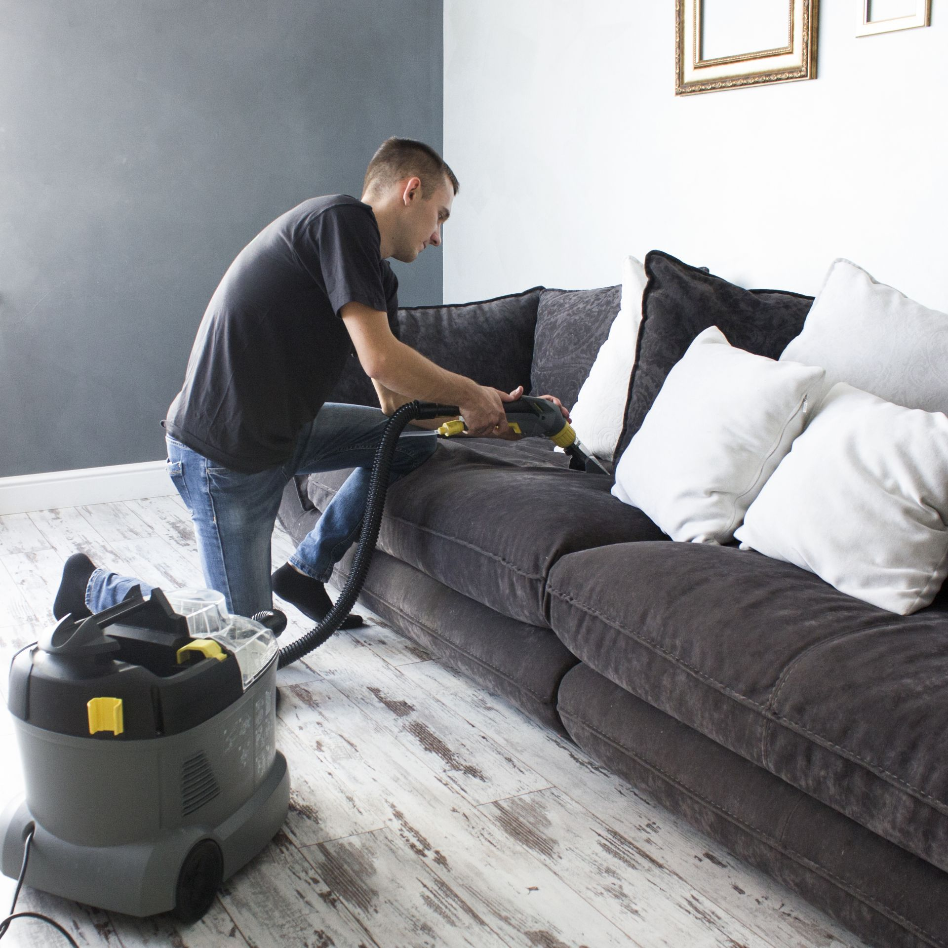 Средство для чисти дивана от пятен как выбрать