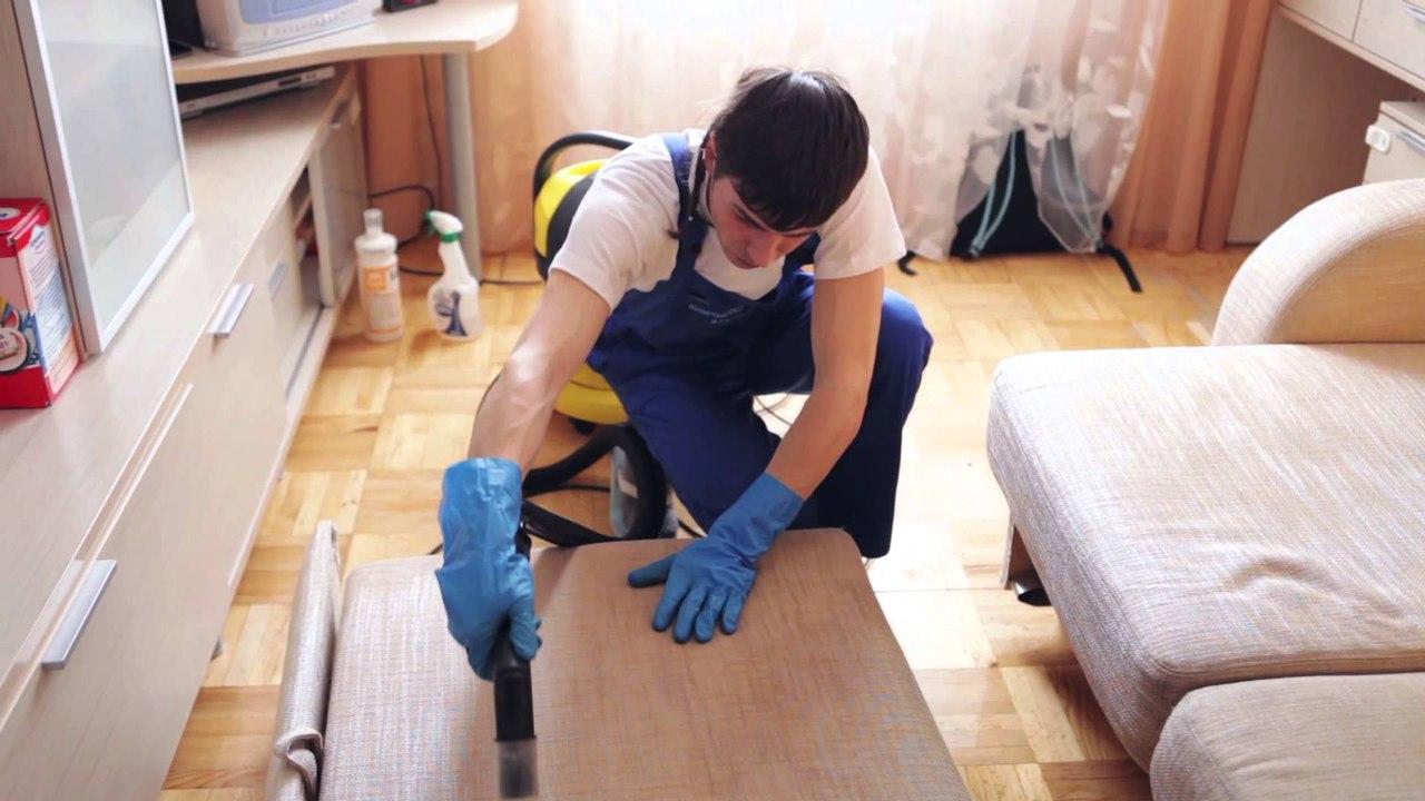 Как сделать домашнее средство для чистки дивана